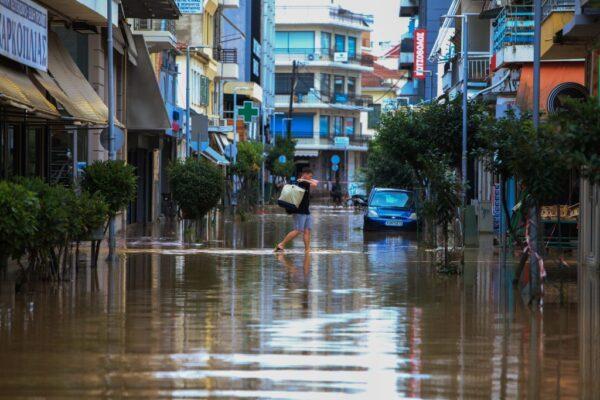 罕见地中海飓风肆虐希腊 数百民众受困已知2死1失踪