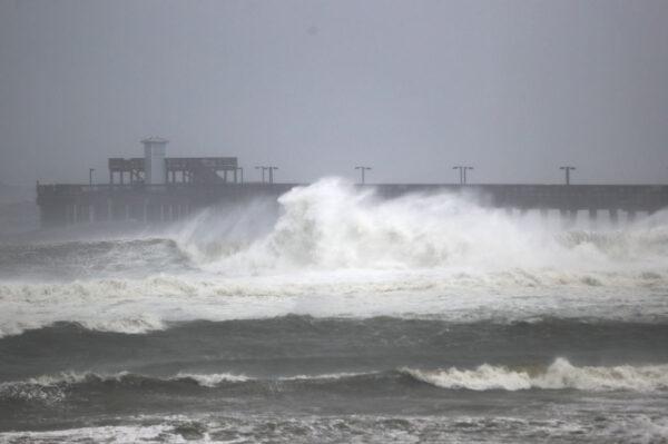 颶風莎莉「牛步」橫掃墨灣 破壞力大逾55萬戶停電