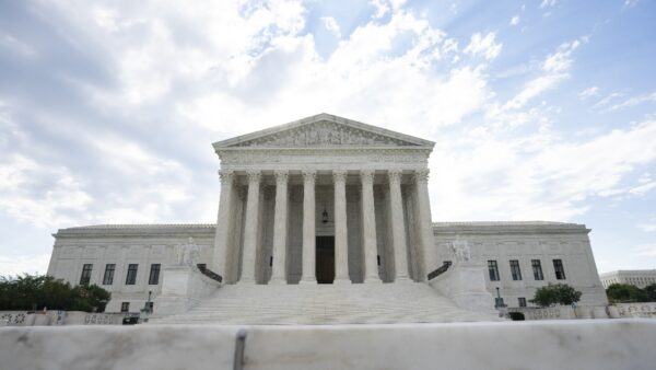 大法官提名爭奪戰開打 參院共和黨鎖定搖擺票