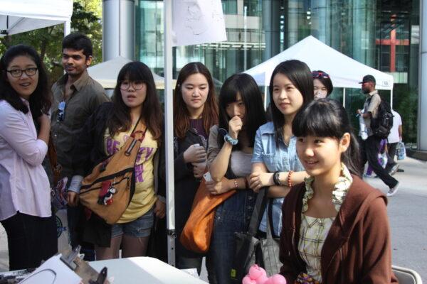 英国也出手了!数百中国留学生被拒签