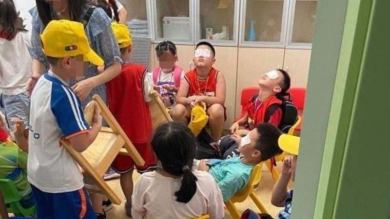 浙江小学误开紫外线灯5小时 上百学生灼伤恐失明