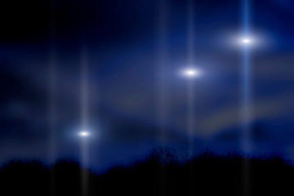 日本出現「UFO空戰」畫面 多個追趕一個(視頻)