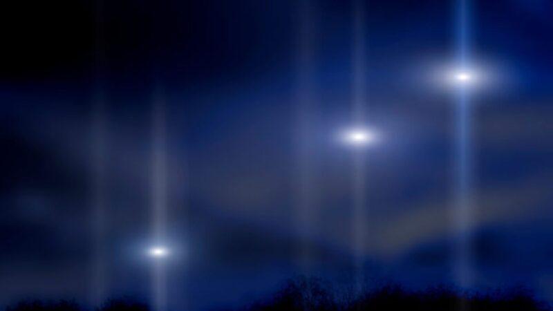 """日本出现""""UFO空战""""画面 多个追赶一个(视频)"""