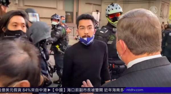 【新唐人晚间新闻】黑命贵扰挺川 大纪元记者被袭