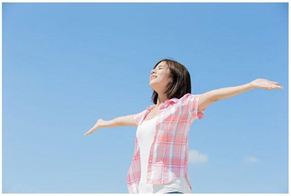心悸、胃胀是驼背惹的祸端正姿势预防一身病