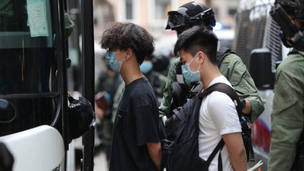 习近平讲话被泼冷水 香港学生:让我们学毛语录?