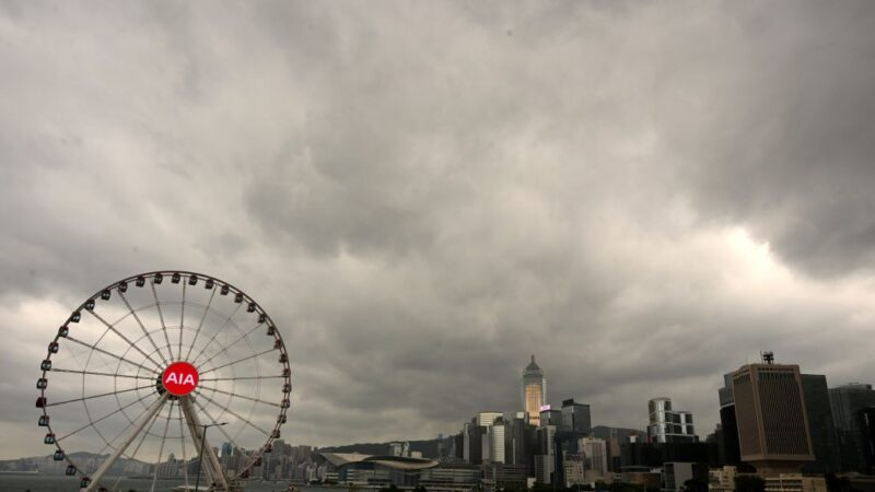 台风浪卡直扑海南岛 港发8号风球创近60年最远