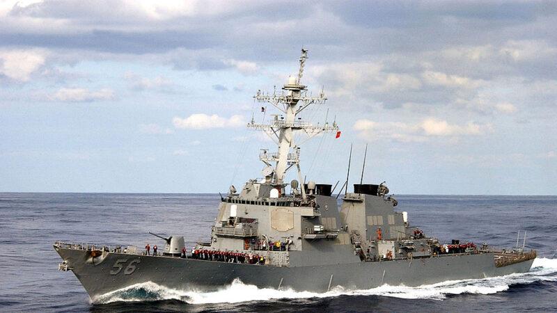 美日軍艦攜手南海聯合演習 里根號航母突加入