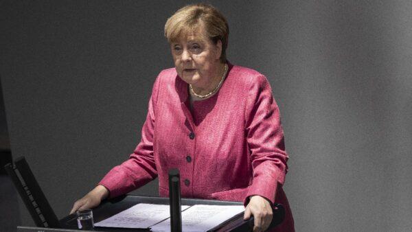默克尔转硬批中国人权  传德国将变相扼杀华为