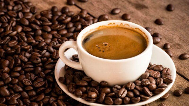 注意!吃降血壓藥等14種藥物 不宜喝咖啡