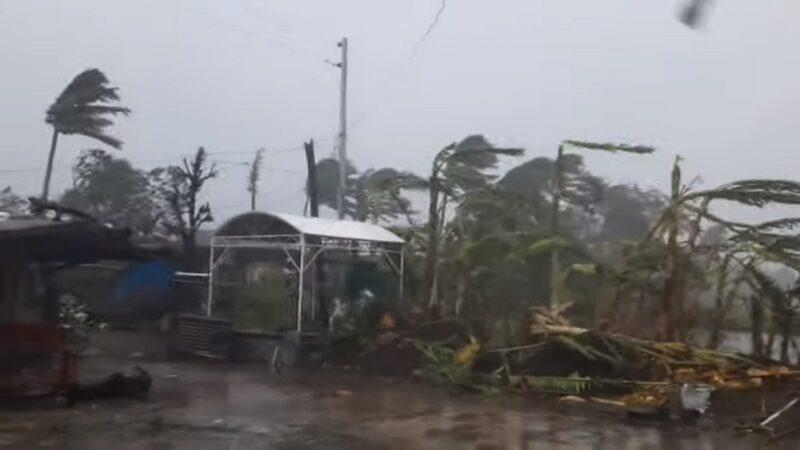 """""""天鹅""""风速达225公里 登陆菲律宾百万人急撤"""
