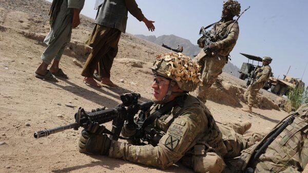 美军海豹突击队出动 成功营救美国人质