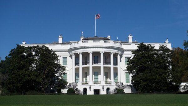 石铭:美国政要再次对中共说不