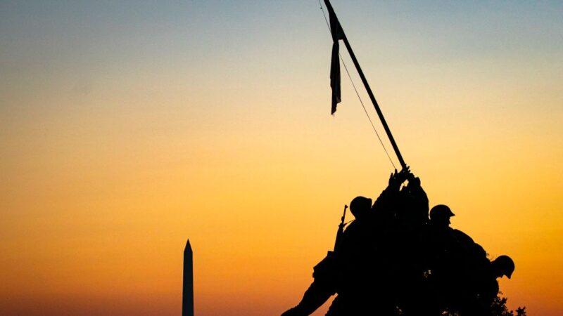 大选后首公开露面 川普11日赴阿灵顿公墓纪念退伍军人