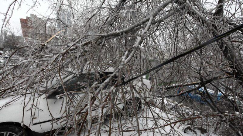 冰封海參崴 15萬人斷水電進入緊急狀態