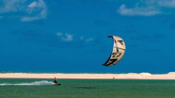 巴西國際風箏衝浪賽 海闊天空任馳騁