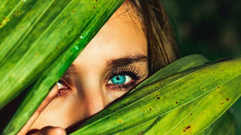 印尼部落族人擁絕美藍眼睛 背後缺陷令人惋惜