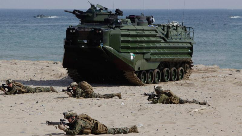 美媒:康州民主党人助中共  抢海军陆战队经费