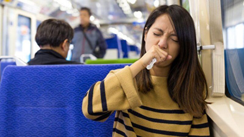 咳嗽不是遮口鼻就够了 做到2件事防病毒传染