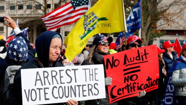 密歇根州务卿下令删除选举数据 家门口聚集抗议者