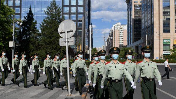 中国疫情来势汹汹 各地取消跨年活动
