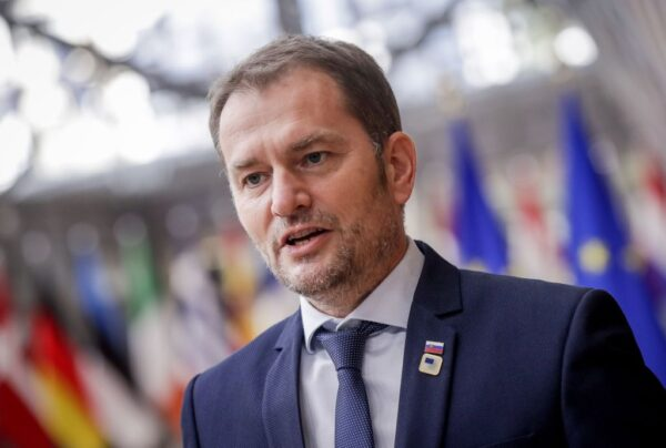 繼馬克龍確診 斯洛伐克總理呈陽性反應