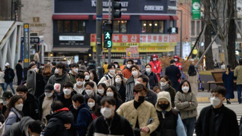 韩确诊连2天破纪录 全国封城可能性升高