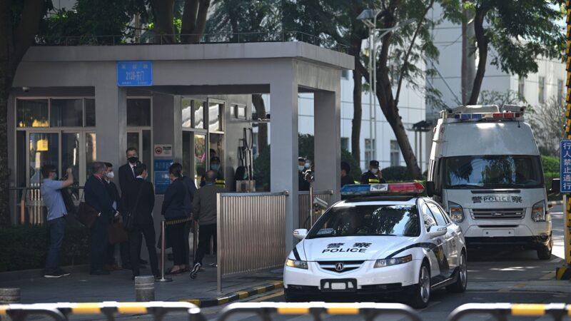 12港人案今深圳开审 禁止旁听装甲车戒备(组图)