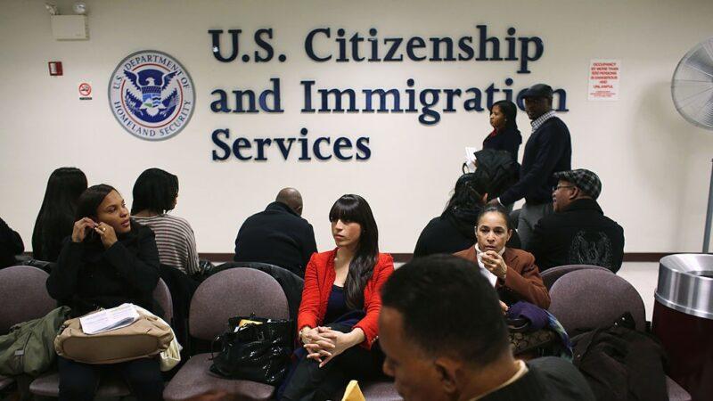 移民律師:美國移民新規 意味著要清除共產黨