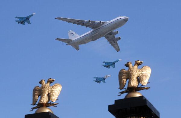 匪撬開普京「末日飛機」艙門 偷走39個無線通訊裝置