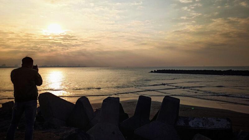【视频】台湾高雄方块海奇景 全球罕见