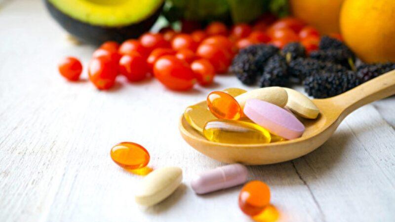 葉黃素、B群等保健品怎麼挑?營養師教你看包裝