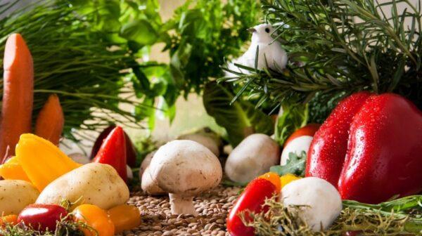 这些蔬菜水果皮劝你别吃 对身体伤害大