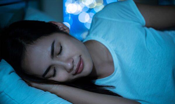 缺生长激素会长皱纹、掉发 这时间睡觉分泌最多