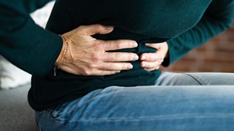 女性肚子痛可能是心肌梗塞 2類高危險群要留意