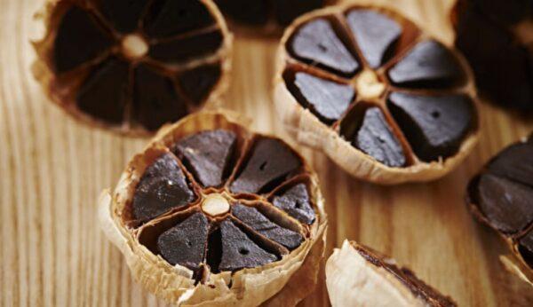 大廚的秘密香料 黑蒜味美身價高 自製更划算