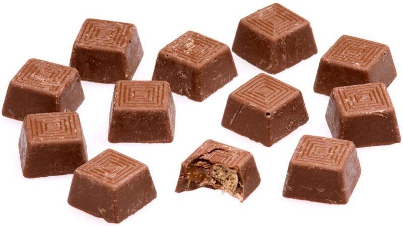 經常吃零食會導致發胖 引起肥胖5大原因