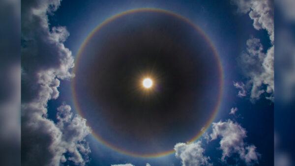 罕見奇景!「月亮彩虹」驚艷意大利夜空