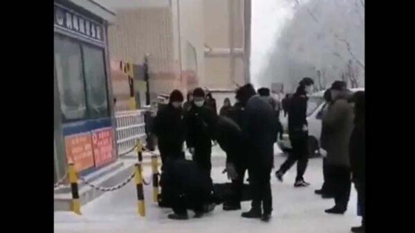 網友曝綏化上月已現路倒 質疑疫情被瞞2週(視頻)