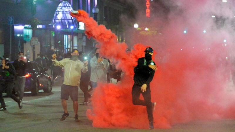 賀錦麗稱警察對國會抗議者相對更溫和 記者駁斥
