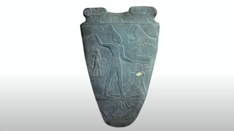 5000年前的「調色板」現世 上面記載黃帝戰蚩尤?