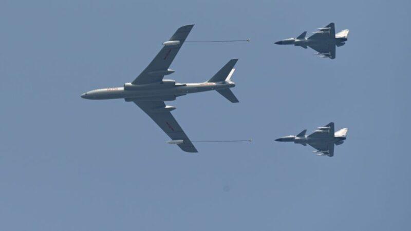 金融時報:中共軍機擾台 還模擬攻擊美國航母