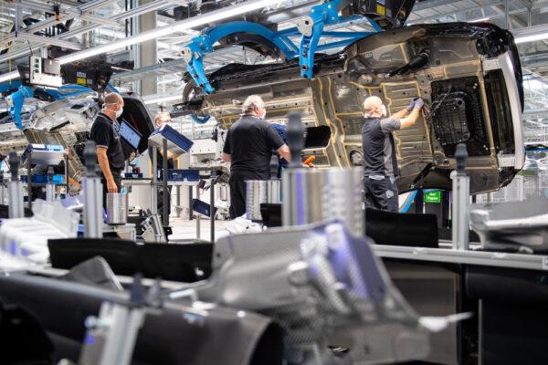 半導體缺貨 日政府請託增產 台車用芯片蘊釀調漲
