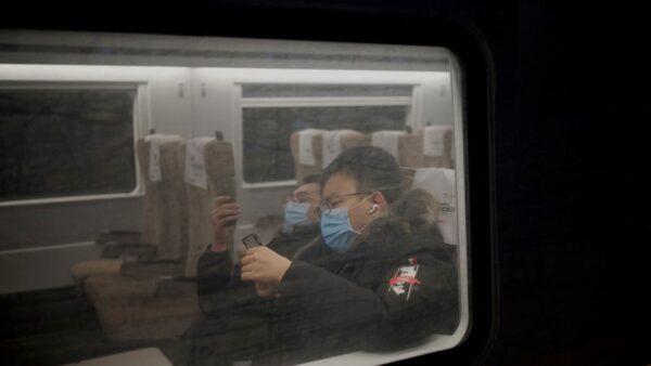 """中国疫情风险区增至73个 """"抗疫史诗""""变味"""