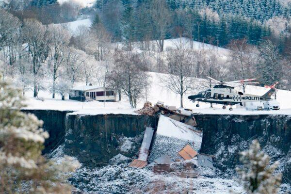 挪威土石流现巨坑 毁十几栋民宅酿4死6人失踪