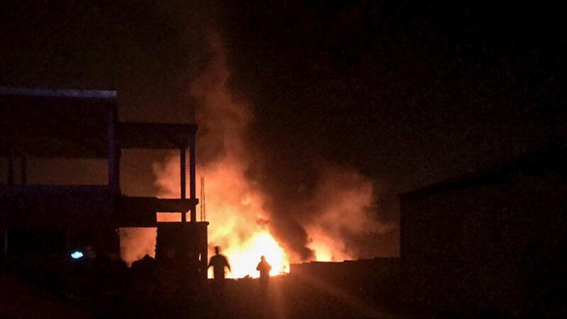 爆炸声不断 黎巴嫩边界瓦斯罐仓库大火至少10伤