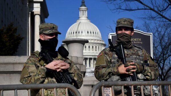 組圖:重兵駐華府 鐵網圍國會 總統就職如臨大敵