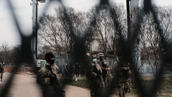 拜登就职礼如临大敌 12名国民兵因背景问题被撤