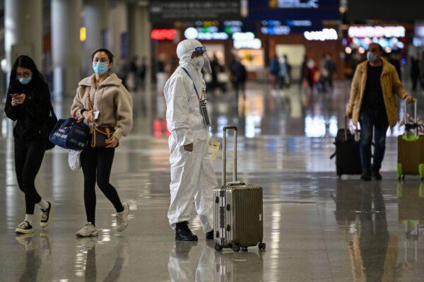 上海机场股价连崩3日 市值蒸发380亿元