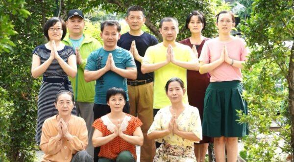 泰國曼谷大法弟子恭祝師尊新年好